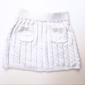 Old Navy white cable knit skirt. Size S (6-7)